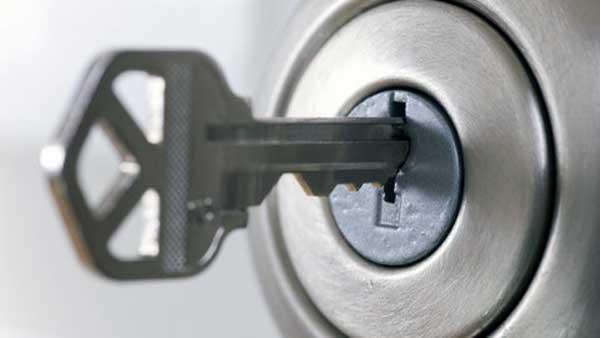 abrir cerradura sin llave taladro