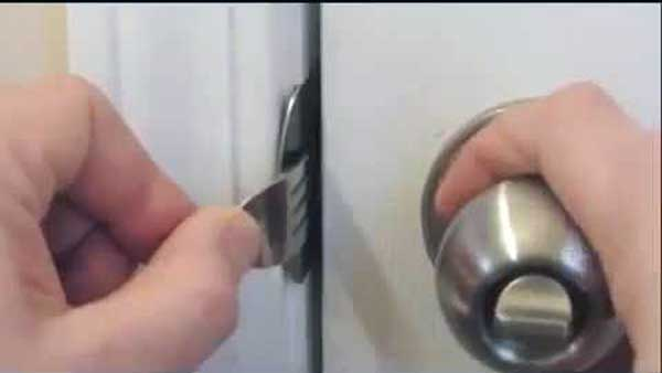 how to open a padlock