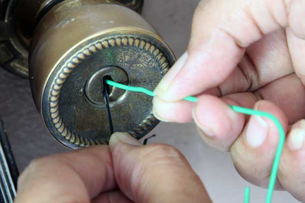 how to open a small padlock without a key and without breaking it