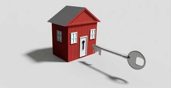 como abrir una puerta de casa