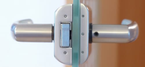 cambiar bombin cerradura puerta blindada