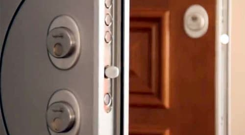 cambiar cerradura puerta blindada ezcurra