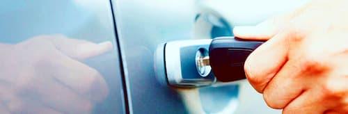 como abrir un coche con cierre centralizado sin llaves