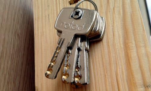 main tubular locking key