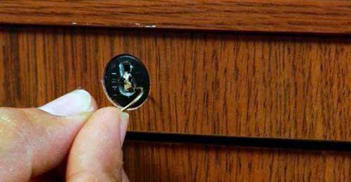 cambiar cerradura buzon cerrado