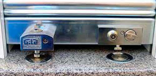 cerradura para persiana metalica