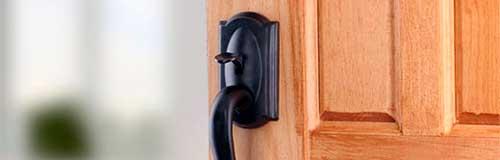 cerradura para puerta de madera exterior
