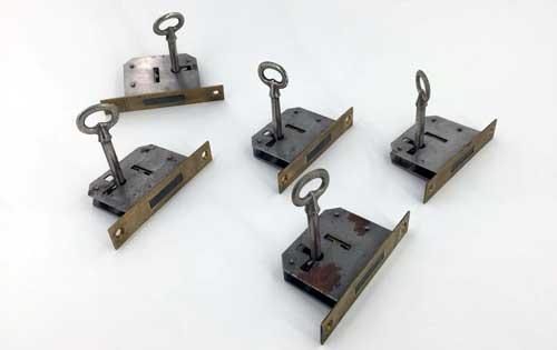 cerraduras antiguas con llave