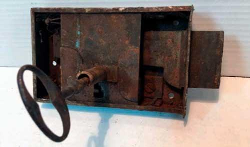 cerraduras antiguas de forja