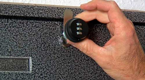 how to change the lock of a keyless mailbox
