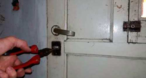 como sacar llave rota de cerradura auto